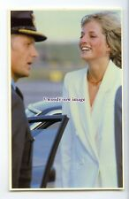 r2486 - Happy Princess Diana arrives back from her Honeymoon Cruise - postcard