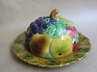 SARREGUEMINES MAJOLICA FRUITS AND FOLIAGE ROUND LIDDED BUTTER DISH (Ref5123)