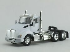 1/64 DCP WHITE KENWORTH T880 DAY CAB