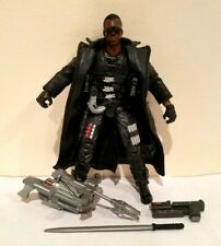TOY BIZ MARVEL LEGENDS SERIES V CUSTOMIZED BLADE(ERIC BROOKS) W/WEAPONS
