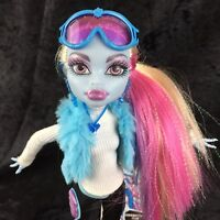 Monster High Snowboarding Club Abbey Bominable Fashion Pack Doll Outfit Shoes