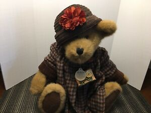 Boyds Bear  Archive collection..Amanda Huntington lightly used w tags attached