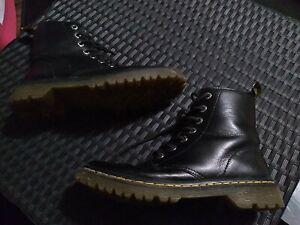 Womens Dr Martens Air Wair Luana Boots Size 9