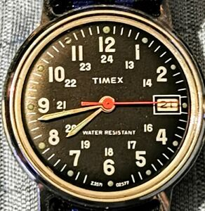 VINTAGE MEN'S TIMEX MILITARY 24 HOUR DATE BLACK DIAL  WATCH. 3 MONTH GUARANTEE.