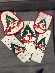 Christmas Swan 5PC Set Oven Mitt, Pot Holder, Hand Towel, and 2 Dish  Towels