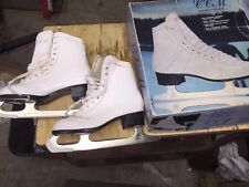 Girls Size 4 Ccm Champion Deluxe Figure Skates