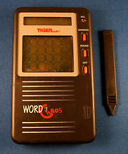 WORD CHAOS SCRAMBLE ELECTRONIC HANDHELD VIDEO LCD GAME BRAIN TEASER PUZZLE TOY