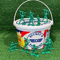 Disney PIXAR Toy Story Collection Bucket O Soldiers Green Army Men 67 Soldiers