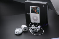 New Apple iPod Video Classic 5th Generation White (30 GB) MA444LL/A Warranty!