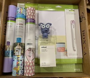NEW EXCLUSIVE Cricut Periwinkle Box. Vinyl, Mat, Stylus, Cutie New In Box!