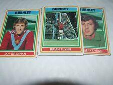 3 X Tarjetas De Fútbol Burnley Topps 1976 Espalda Azul