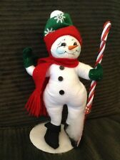 2003 NWT ANNALEE CHRISTMAS HOLIDAY SNOWMAN WITH CANDY CANE SHOVEL