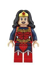 LEGO DC Super Heroes - Exclusive Wonder Woman - Collectible Mini Figure