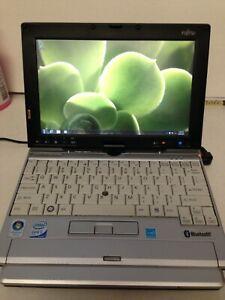 Fujitsu lifebook p1630 w/BT windows 10  1gb 40gb hdd