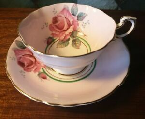 Paragon Double Warrant Cabinet Cup & Saucer Floral Rose Light Pink/Green Band