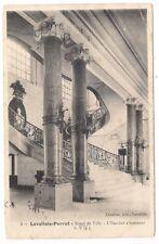 levallois-perret , hôtel de ville , l'escalier d'honneur