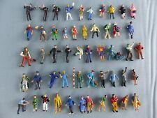 Lot de 50 figurines personnages Ho 1/87 peintes cheminots voyageurs ouvriers 10