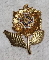 Vintage pin VFS Ladies Auxiliary enamel gold tone flower