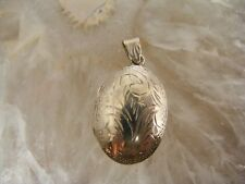 VINTAGE OVAL LOCKET STERLING SILVER ETCHED SWIRL PUFFY PHOTO NECKLACE PENDANT