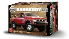 1993 Nissan Hardbody 4X4 King Cab Pickup Truck 1:20 Scale AMT Plastic Car Kit