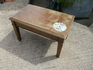 VINTAGE SIDE TABLE.  FREE  DELIVERY.