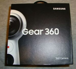 SAMSUNG Gear 360 2017 Edition Real 360 Degree 4K VR Camera - White