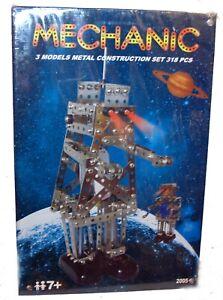 Meccano Erector Mechanic Robot Set with Windup Motor