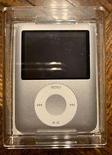 Apple iPod nano 3rd Generation 8GB Silver Model A1236  Original Packaging