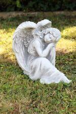 Engel sitzend  Steinfigur Gartenfigur Dekofigur Decofigur Steinguss
