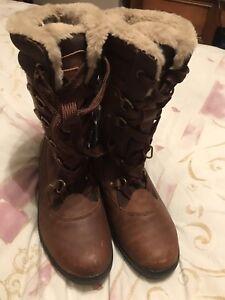 Ladies Brown Leather Waterproof Walking / Hiking Boots Size 8