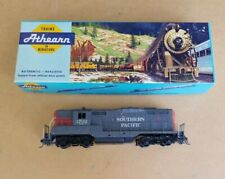 ATHERN HO 3053 SOUTHERN PACIFIC GP9 DUMMY W/ KNUCKLE COUPLERS SP RN 3702