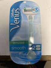 Womens Gillette triple Blade,Venus Smooth & Sensitive 1 Razor w/ 2 Cartridges
