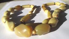 Ancien collier bijou vintage perles celluloïd beige attache cachée à vis 4438