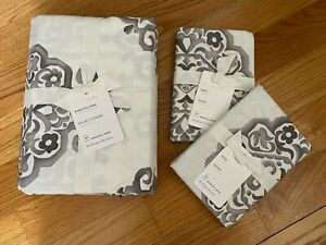 NEW POTTERY BARN GRAY & WHITE KING/CAL.KING DUVET COVER & 2 KING SHAMS