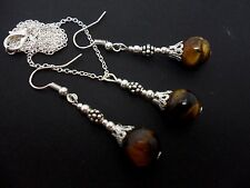 A PRETTY TIGERS EYE BEAD  NECKLACE AND EARRING SET. NEW.