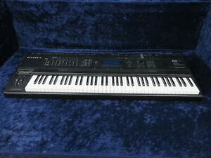 Kurzweil K2500 VAST Digital Synthesizer Sequencer Ser#439709Z02198 w/Road Case