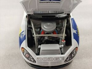 Kyle Petty #45 Georgia-Pacific 2003 Intrepid 1:24 scale car Action  (No Box)