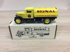 ERTL 1931 INTERNATIONAL SIGNAL OIL & GAS TANKER BANK NEW NIB E1989