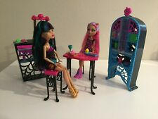 Monster High Creepateria Playset with Cleo de Nile and Howleen Wolf dolls