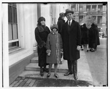Photo of Mr. & Mrs. Sidney Maybaum and daughter Frances Ruth Maybaum