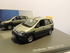 Voiture miniature Renault Scenic RX4 Universal Hobbies 1/43