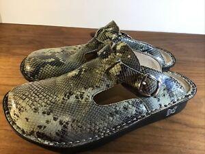 Alegria Snakeskin  Leather Clogs  Women's Size 40 9 USA Nurse