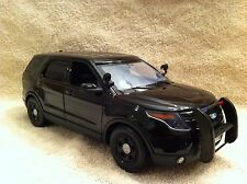 1/18 SCALE UNDERCOVER POLICE FORD SUV UT DIECAST WITH WORKING LIGHTS AND SIREN