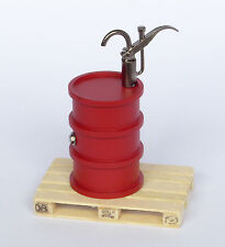 Dingler Ölfass rot mit Pumpe und Holzpalette Maßstab 1:32 Spur 1