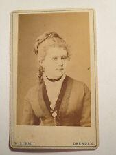 Dresden - Frau mit Zopf im Kleid - Portrait / CDV
