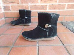 CLARKS 'Artisan' Black Suede Ankle Boots * 4 uk * FLEECE LINED