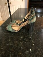 Anthropologie Green Velvet T-Strap Shoes Heels Size 10, NEW!