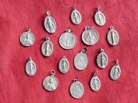lot de médailles religieuses en  aluminium