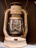 Vintage Dietz No. 2 D-Lite Kerosene Oil Lantern NY USA Orig Globe Railroad Barn