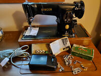 201K SINGER SEWING MACHINE with attachments & manual